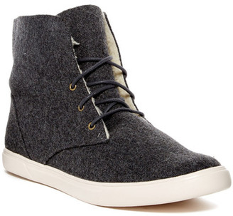 SUSINA Loring Fab Faux Fur Lined Sneaker $49.97 thestylecure.com