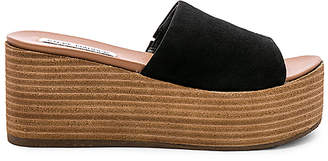 Steve Madden Heated Wedge