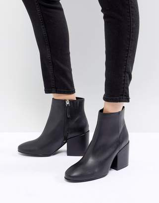 Pull&Bear Pointed Toe Heeled Ankle Boot