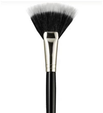 Laura Mercier Fan Brush