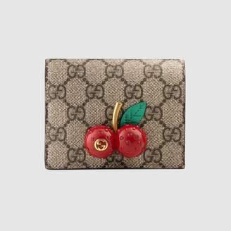 Gucci (グッチ) - チェリー付き GGスプリーム キャンバス カードケース(コイン&紙幣入れ付き)