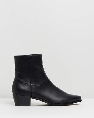 Spurr Baxter Ankle Boots