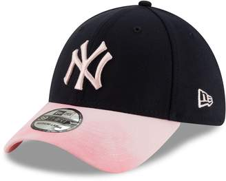 ba4ed4dfc40 New Era Women s New York Yankees 39THIRTY Mother s Day Fitted Baseball Cap