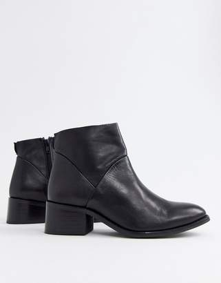 Steve Madden Risen black leather heeled ankle boots