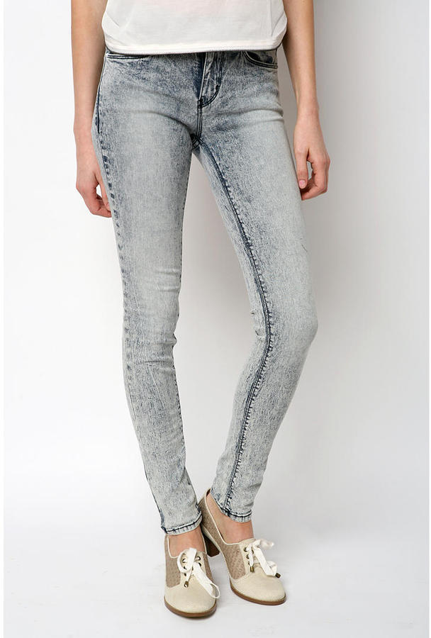 BDG Ankle Length Acid Washed Cigarette Jean
