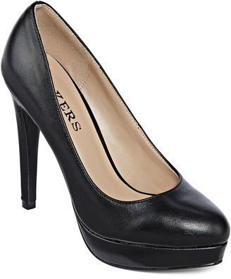 BAKERS Bakers Sidnie Pumps $80 thestylecure.com