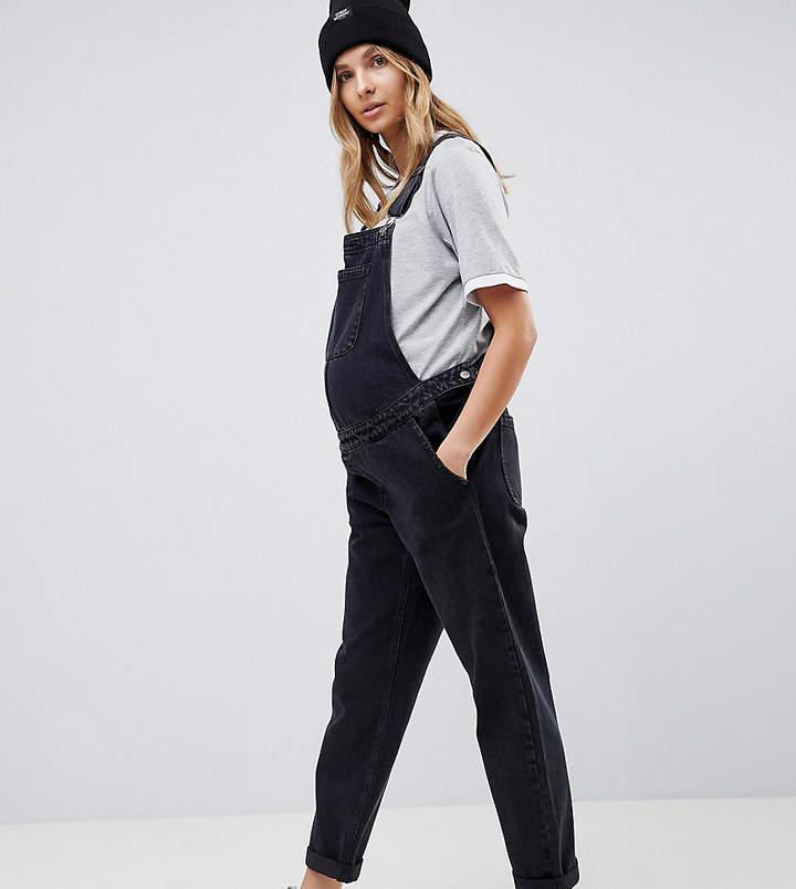 DESIGN Maternity – Jeans-Latzhose in verwaschenem Schwarz