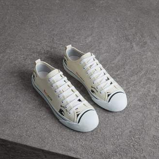 Burberry Archive Logo Cotton Gabardine Sneakers , Size: 41