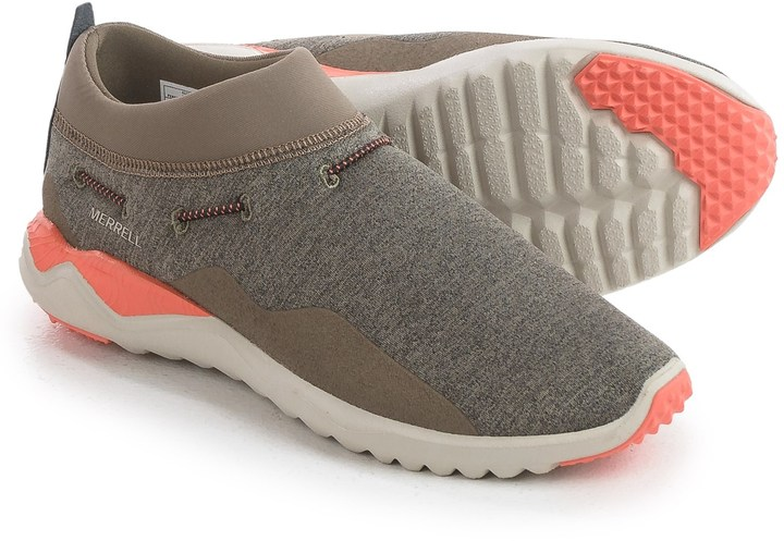 selecting comfortable work shoe to reduce