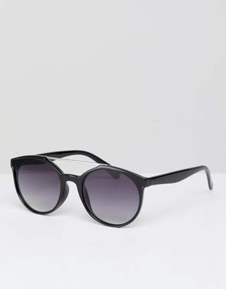 Jeepers Peepers sunglasses with silver brow bar