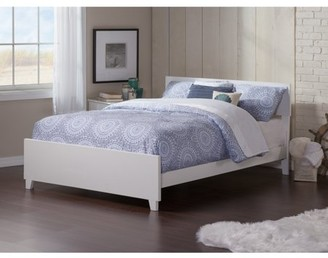 Atlantic Furniture Orlando Queen Traditional Bed with Matching Foot Board in White