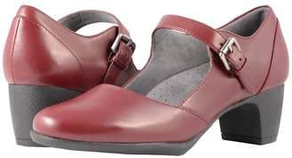SoftWalk Irish II Women's Hook and Loop Shoes