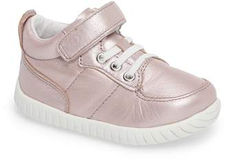 Stride Rite Bailey High Top Sneaker