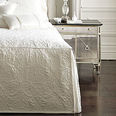 Royal Velvet Monument Bedspread 3