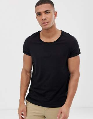 823c2347 Asos Design DESIGN t-shirt with scoop neck with roll sleeve in black
