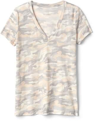 Gap Camo Print Vintage V-Neck T-Shirt