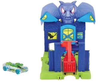 Hot Wheels Mattel Inc. Bat Manor Attack