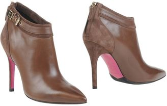 LUCIANO PADOVAN Ankle boots $363 thestylecure.com