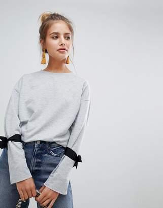 Glamorous sweatshirt with tie details