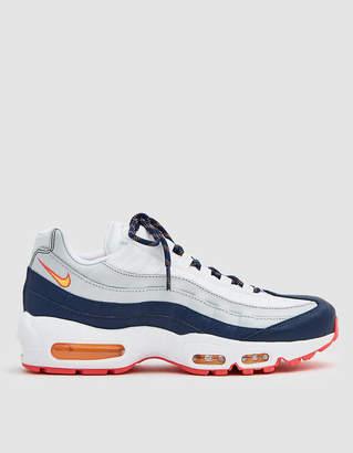 Nike 95 in Midnight Navy / Laser Orange