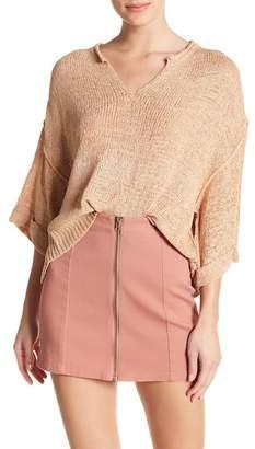 Romeo & Juliet Couture Metallic Stitch Cropped Sweater