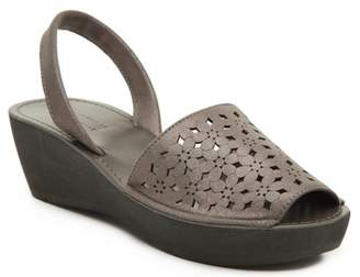 Kenneth Cole Reaction Fine Glass Wedge Sandal