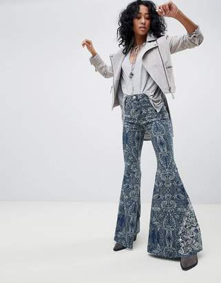 Free People Float On Printed Flared Jeans
