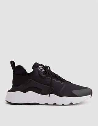 Nike Huarache Run Ultra in Black