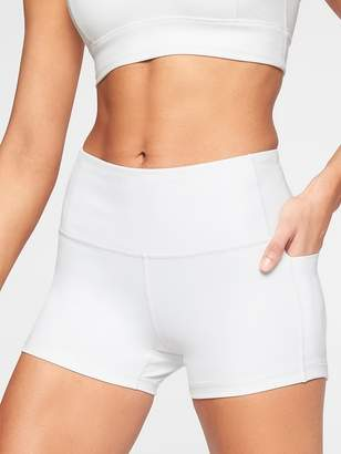 Athleta Fearless Side Pocket Shortie