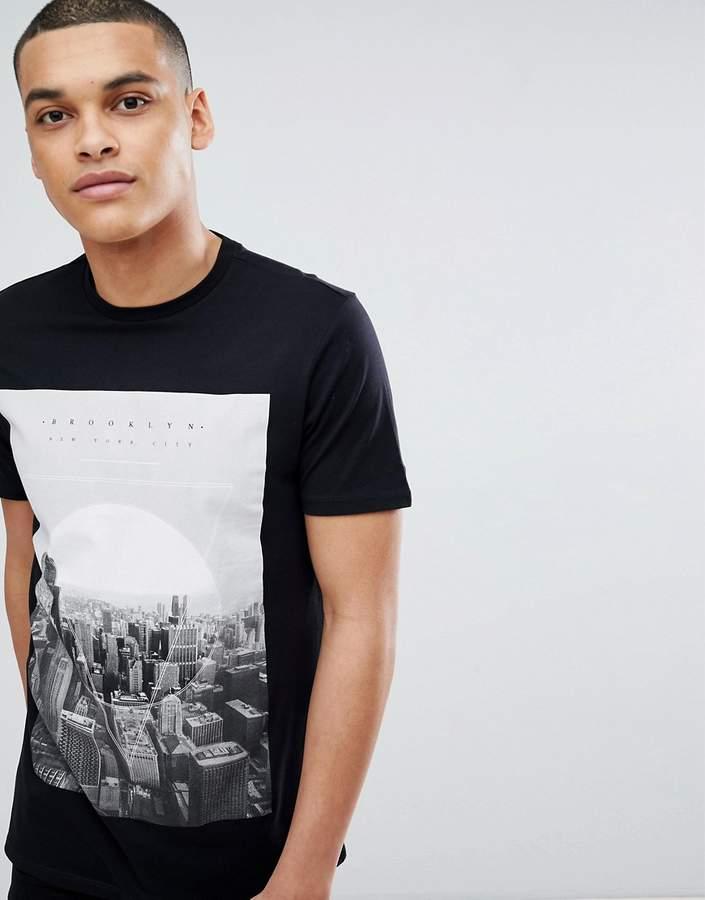 – Schwarzes T-Shirt mit Geo-Stadtmotiv