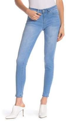 YMI Jeanswear Outerwear WannaBettaButt Mid-Rise Pocketed Skinny Jeans