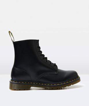 Dr. Martens 1460 8 Eye Smooth Boot Black