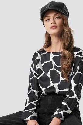 Na Kd Trend Giraffe Print Blouse Black/White