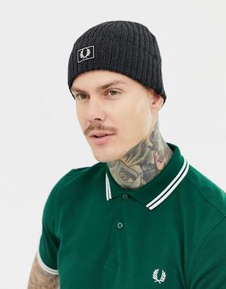 Fred Perry two tone cotton beanie hat in black