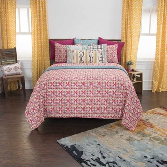 """Rizzy Home Cotton 68""""x94"""" Red Geometric 2 Piece Quilt Set"""
