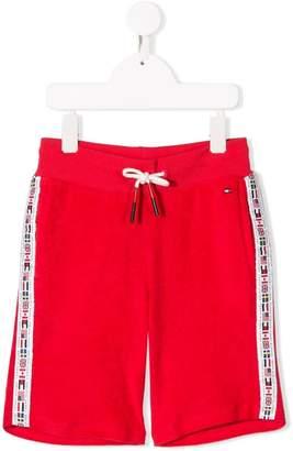 e0c19cf55f Tommy Hilfiger Junior flag trim sports shorts