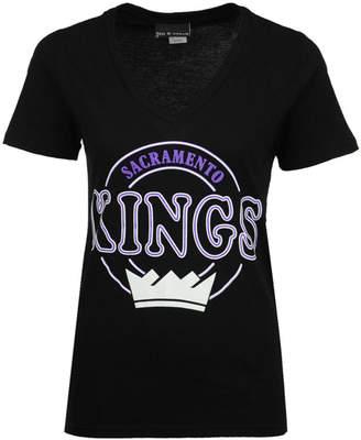5th & Ocean Women's Sacramento Kings Circle Glitter T-Shirt
