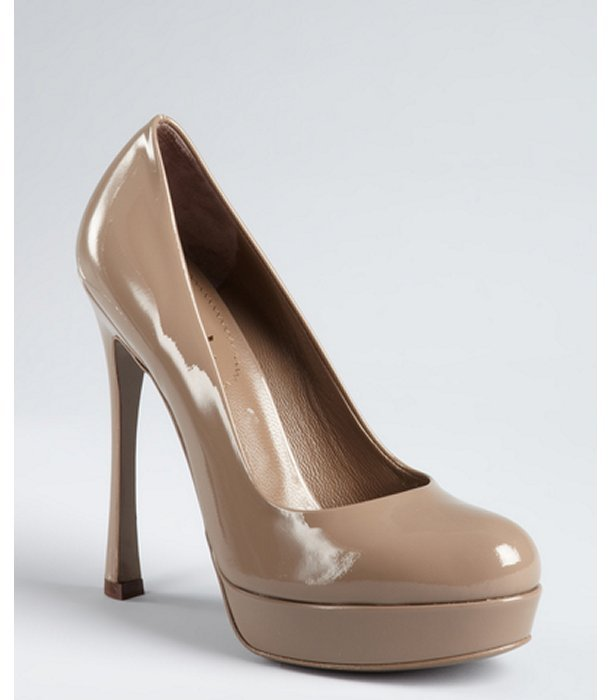 Yves Saint Laurent dove beige patent leather 'Gisele' platform pumps