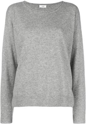Closed loose fitted sweater