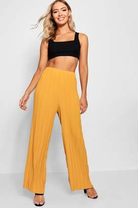 boohoo Pleated Woven Wide Leg Trousers