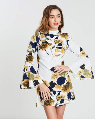 Missguided Printed Flared Sleeve Dress