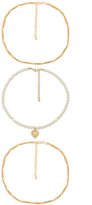 8 Other Reasons Queen Necklace