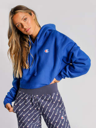 Champion Reverse Weave Cropped Cut Off Hoodie in Surf The Web Blue