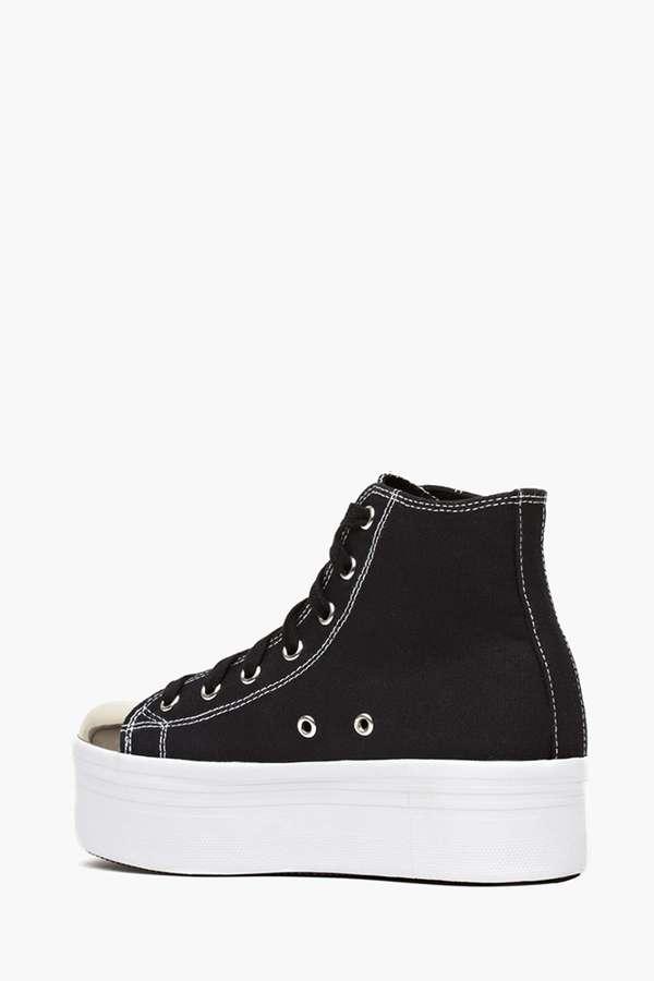 Nasty Gal No Star Platform Sneaker