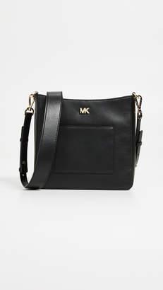 MICHAEL Michael Kors Gloria Pocket Swing Pack