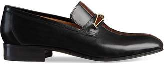 Gucci Leather loafer with stripe