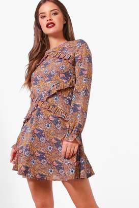 boohoo Petite Ruffle Detail Woven Skater Dress