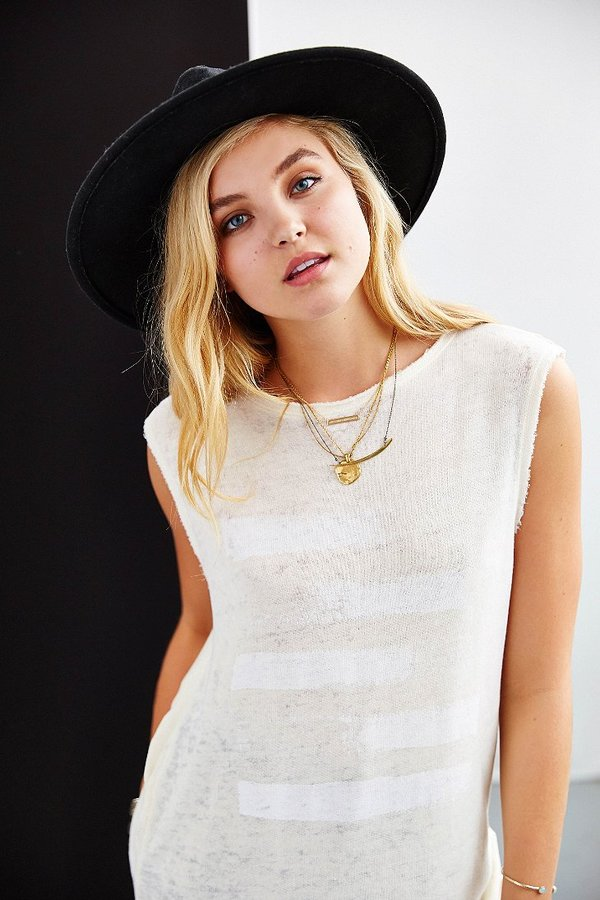 Truly Madly Deeply Abstract Twist-Back Tee