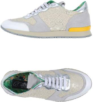 Le Crown Low-tops & sneakers - Item 44940468IM
