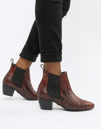 Oasis heeled chelsea boots in red animal print